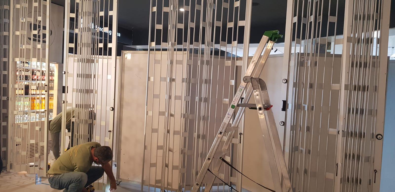 Foldable shutters